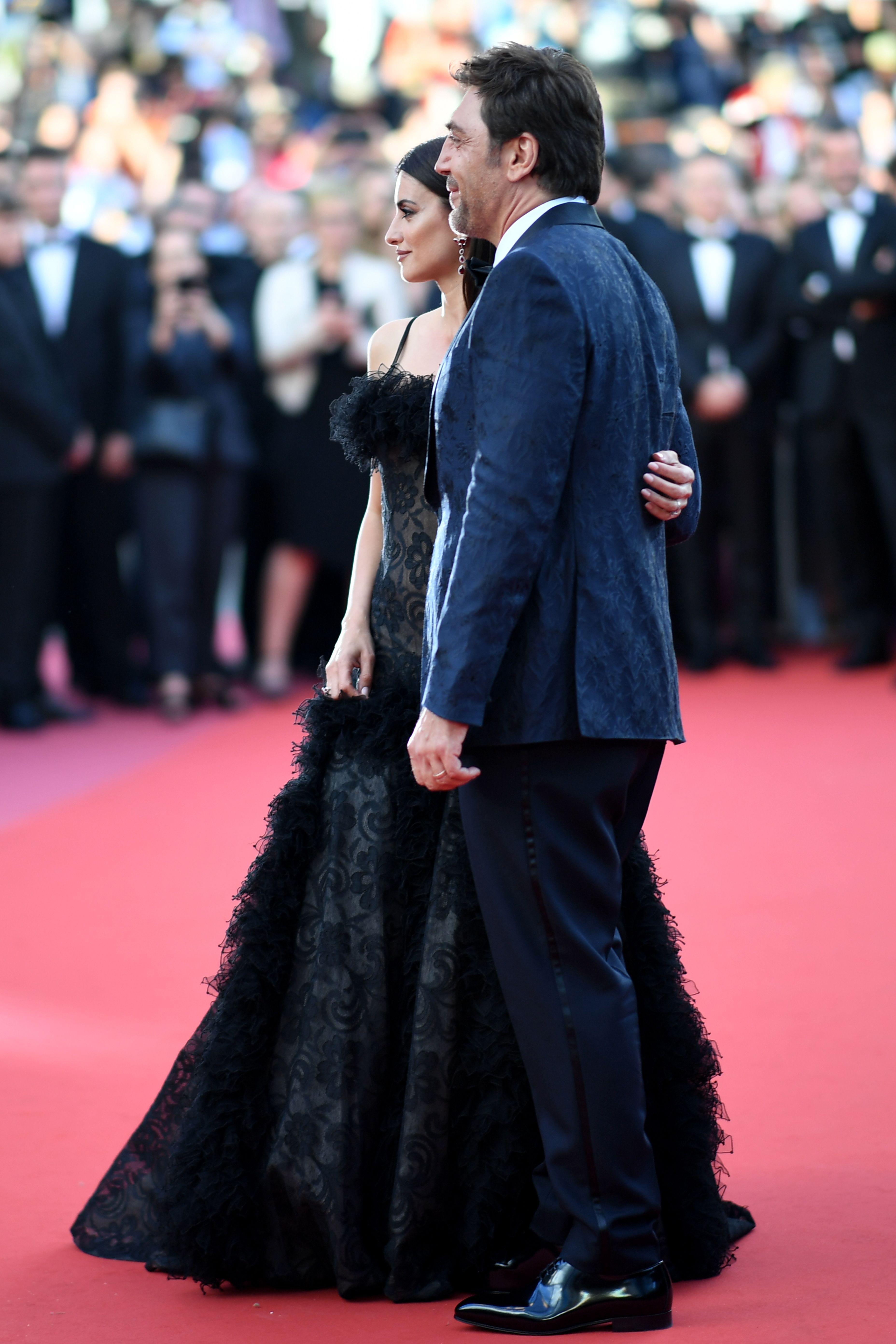 بينلوبى وزوجها على السجادة الحمراء