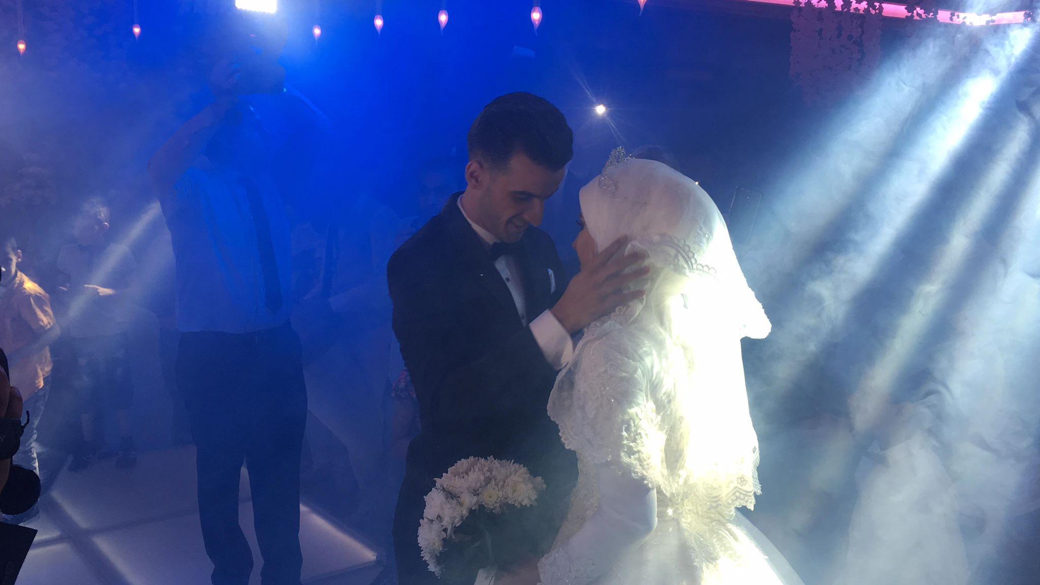 دونجا يحتفل بحفل زفافه (11)