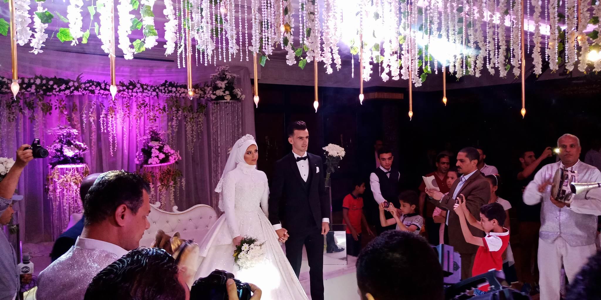دونجا يحتفل بحفل زفافه (5)