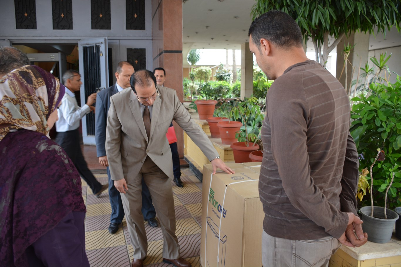 لقاء المحافظ بأعضاء الجهاز التنفيذي بالمحافظة (14)