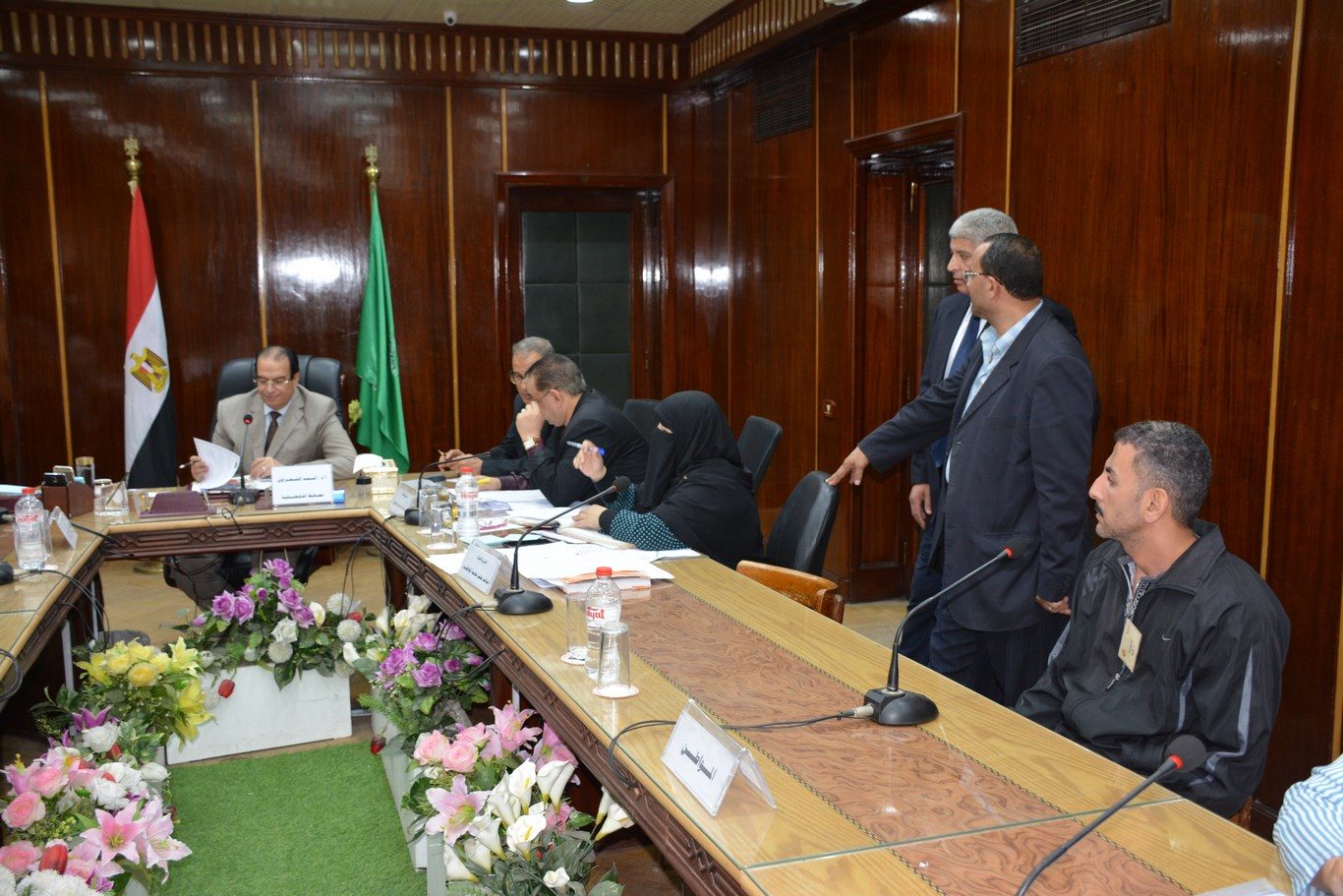 لقاء المحافظ بأعضاء الجهاز التنفيذي بالمحافظة (5)