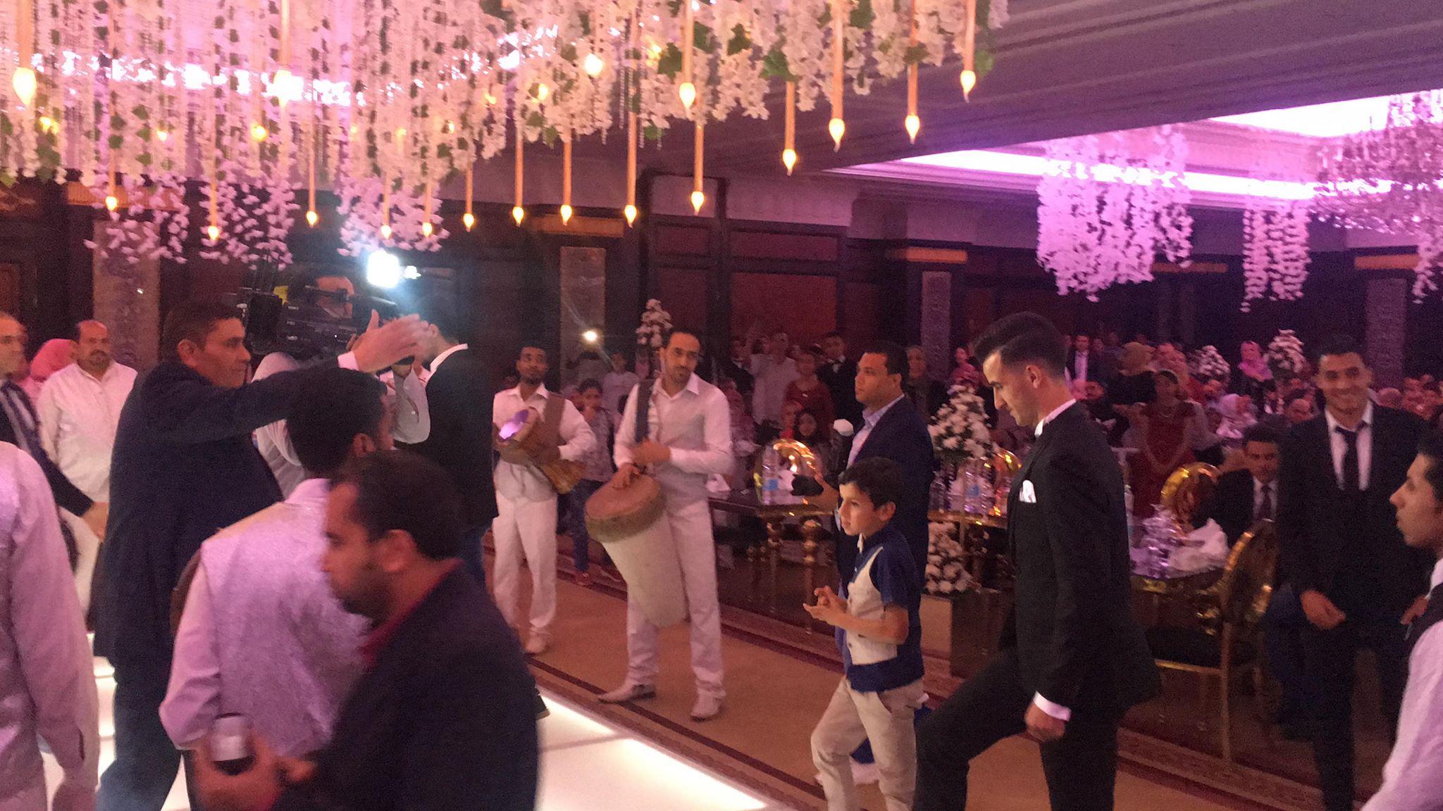 دونجا يحتفل بحفل زفافه (7)