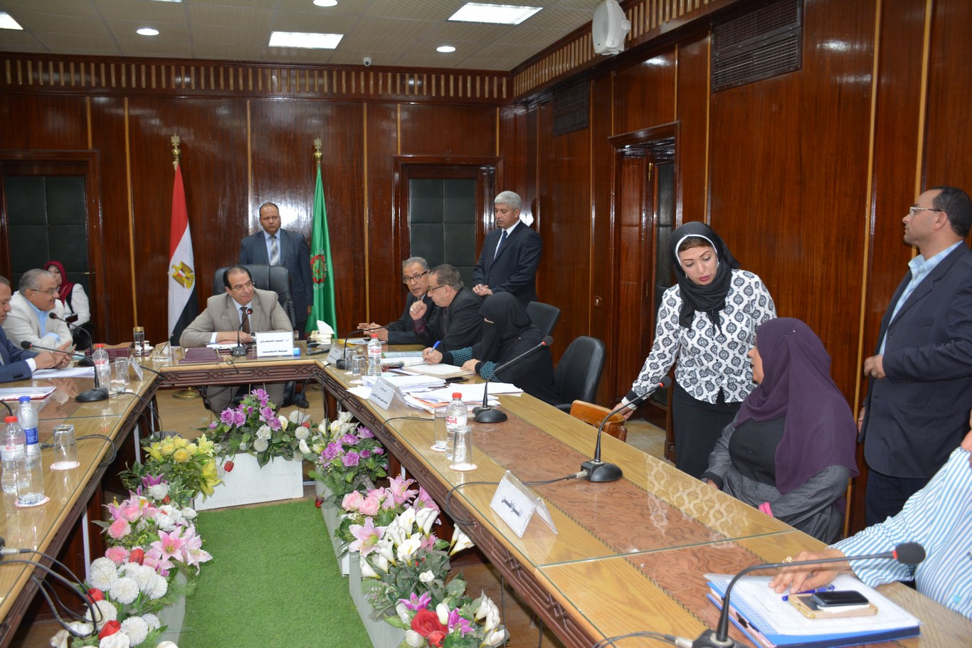 لقاء المحافظ بأعضاء الجهاز التنفيذي بالمحافظة (12)