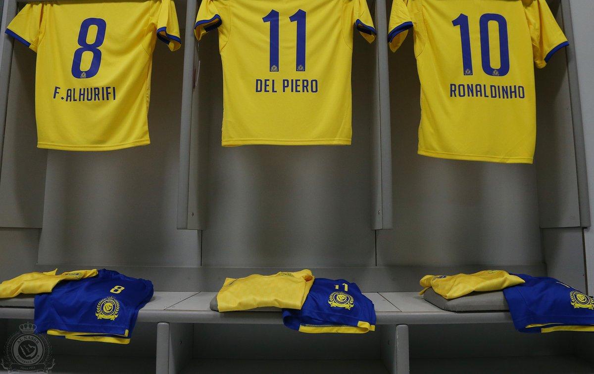 قميص الهريفى مع رونالدينيو وديل بييرو