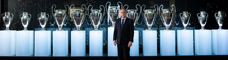 بيريز مع الكؤوس الأوروبية الـ13 التى حققها ريال مدريد
