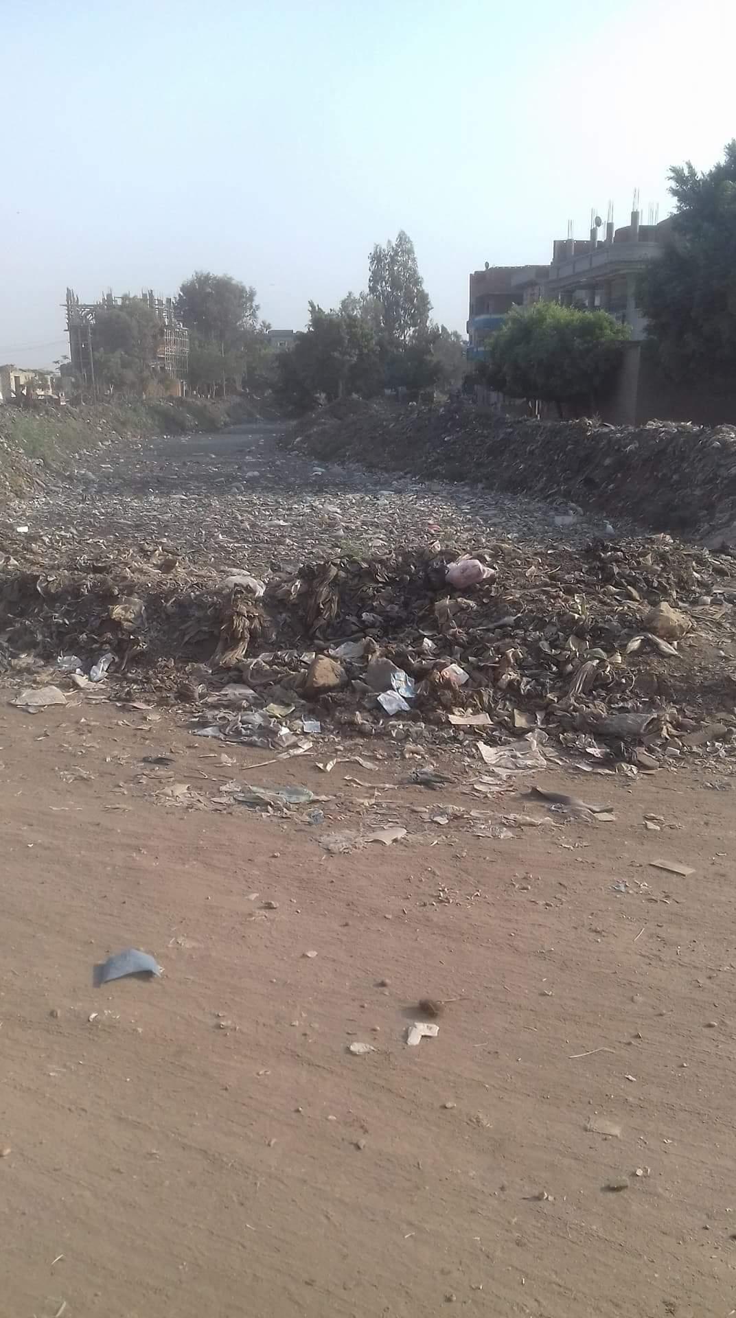 القمامه تحاصر مصرف سندبسط