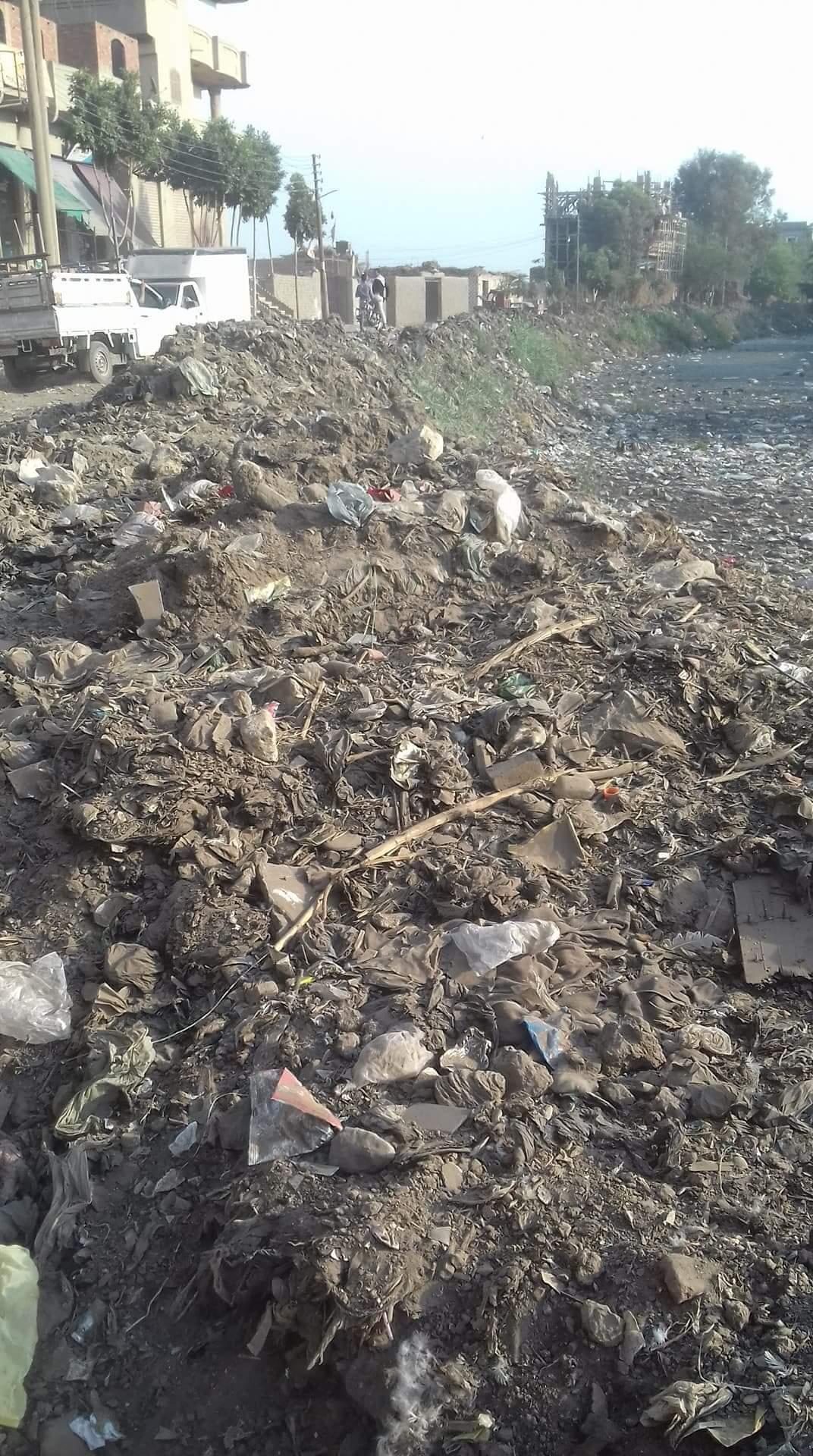 القمامة تحاصر مصرف سندبسط_1