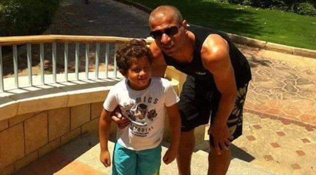 وائل جمعه مع ابنه