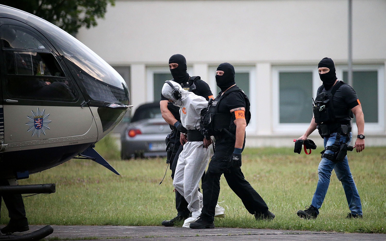 الشرطة الألمانية تأخذ الشاب العراقى للسجن بالهليكوبتر
