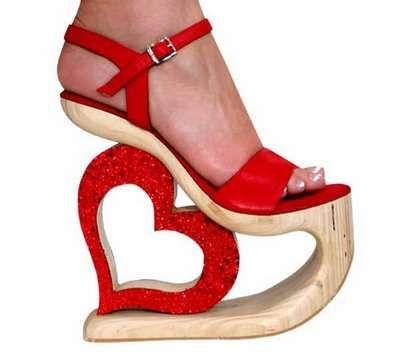 موضة الأحذية الغريبة (7)