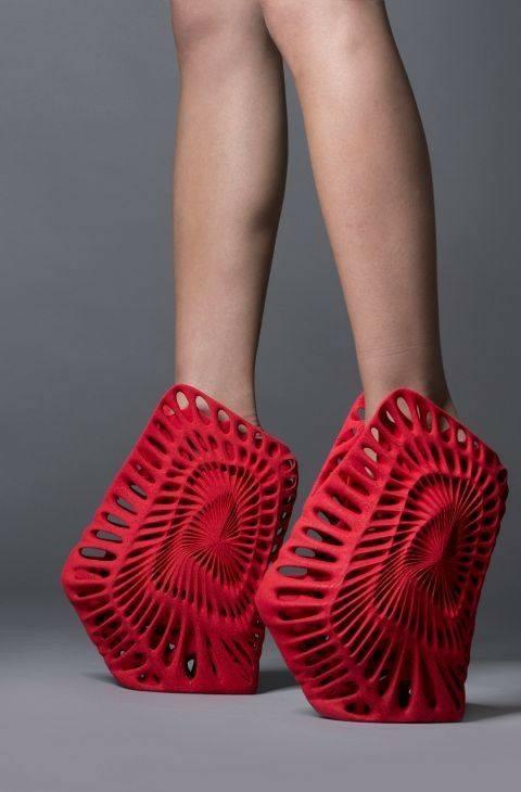 موضة الأحذية الغريبة (5)