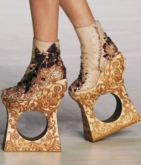 موضة الأحذية الغريبة (6)