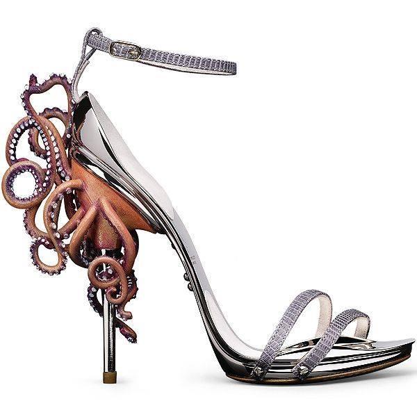 موضة الأحذية الغريبة (9)
