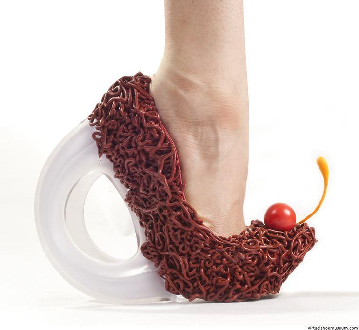 موضة الأحذية الغريبة (3)