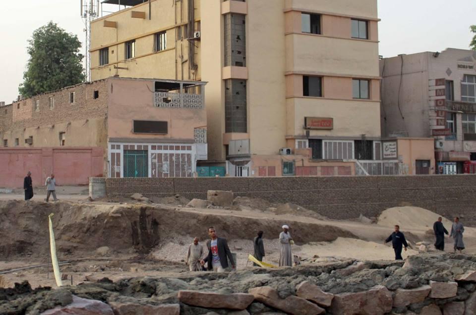 غضب بين الأهالي وصل لحد المطالبة بإقالة المحافظ بسبب أزمة الكوبري الثالث لخدمة أهالي البر الغربي