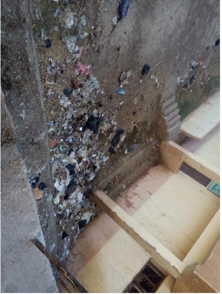 القمامة بمركز شباب الوقف