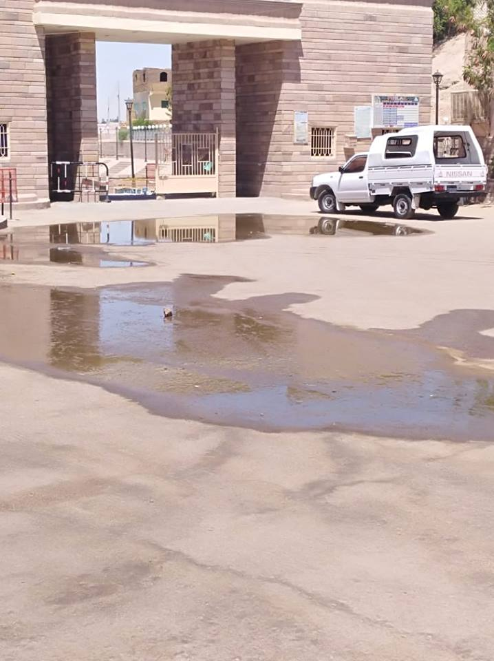 مياه الصرف فى معبد فيلة (1)