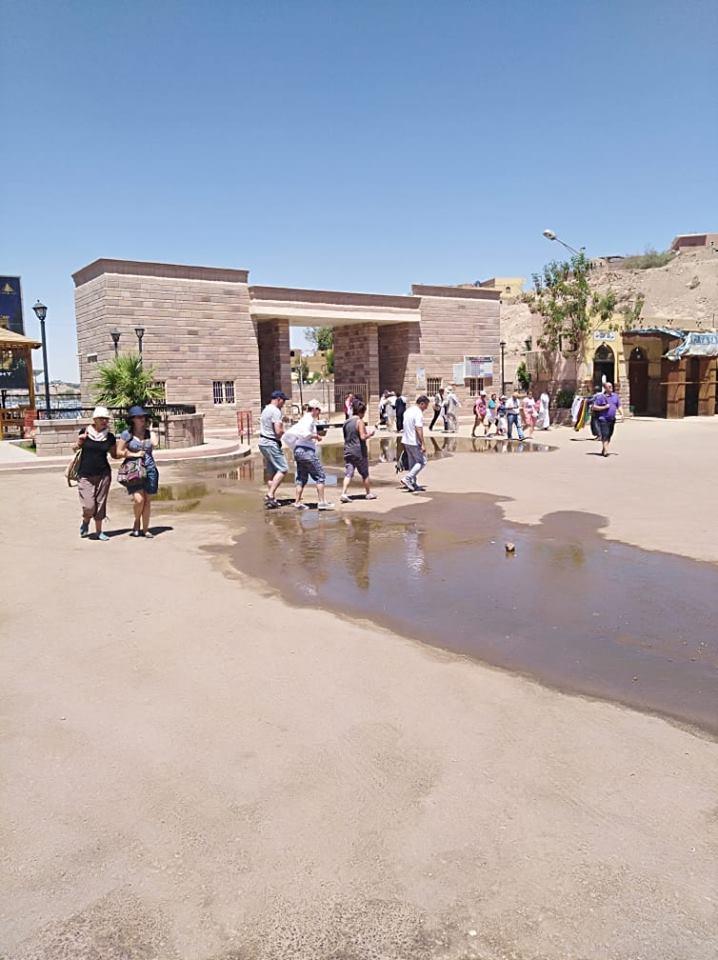 مياه الصرف فى معبد فيلة (2)