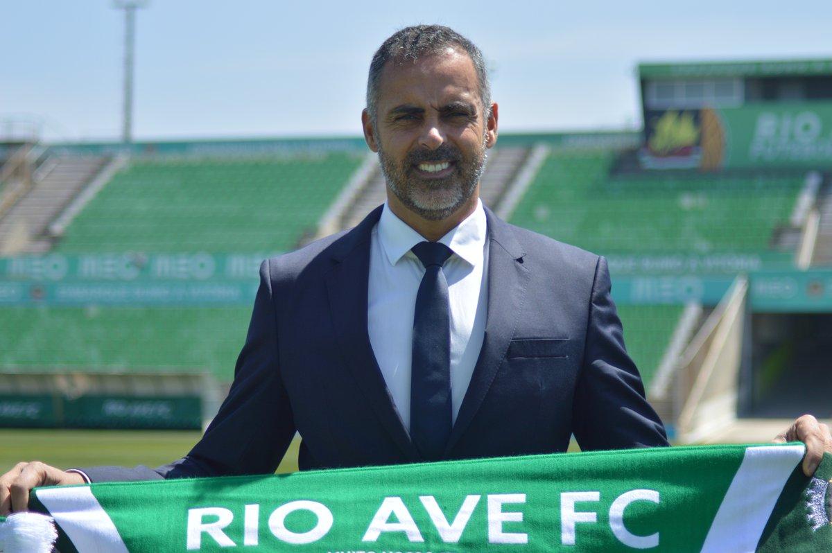 جوزيه جوميز مدرب ريو افى البرتغالي
