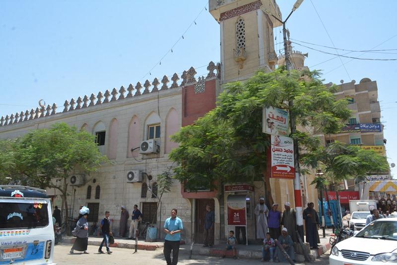 محافظ سوهاج يتابع أعمال النظام ورفغ الاشغالات بحى غرب (2)