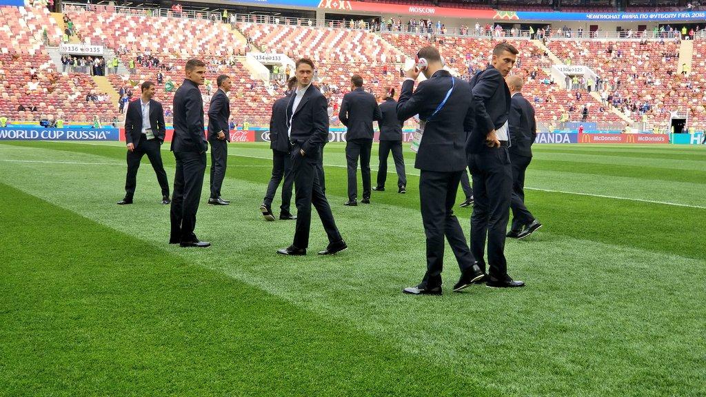 وصول منتخب روسيا إلى ملعب مباراة السعودية فى افتتاح كأس العالم.. صور 208039-منتخب-روسيا.jpg