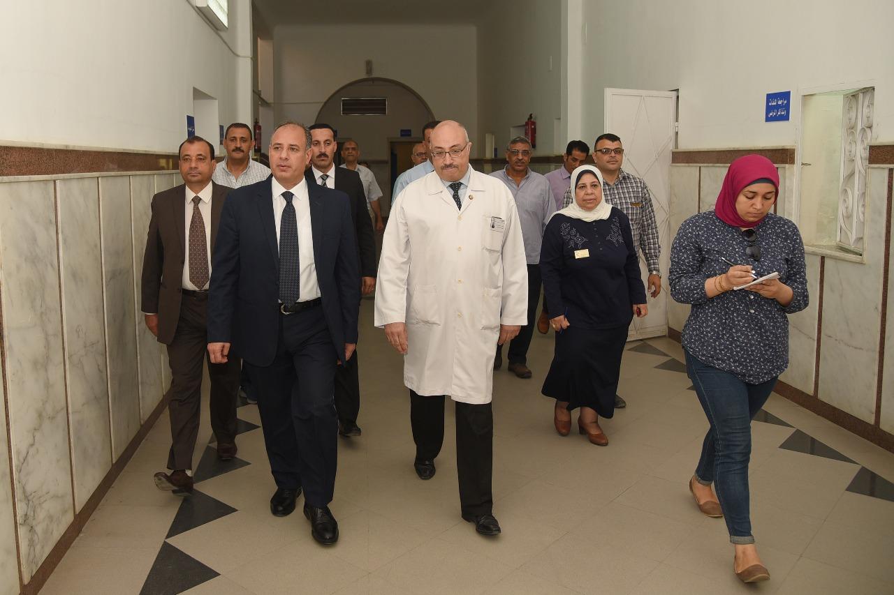 محافظ الإسكندرية يزور مستشفى طلبة سبورتنج (9)
