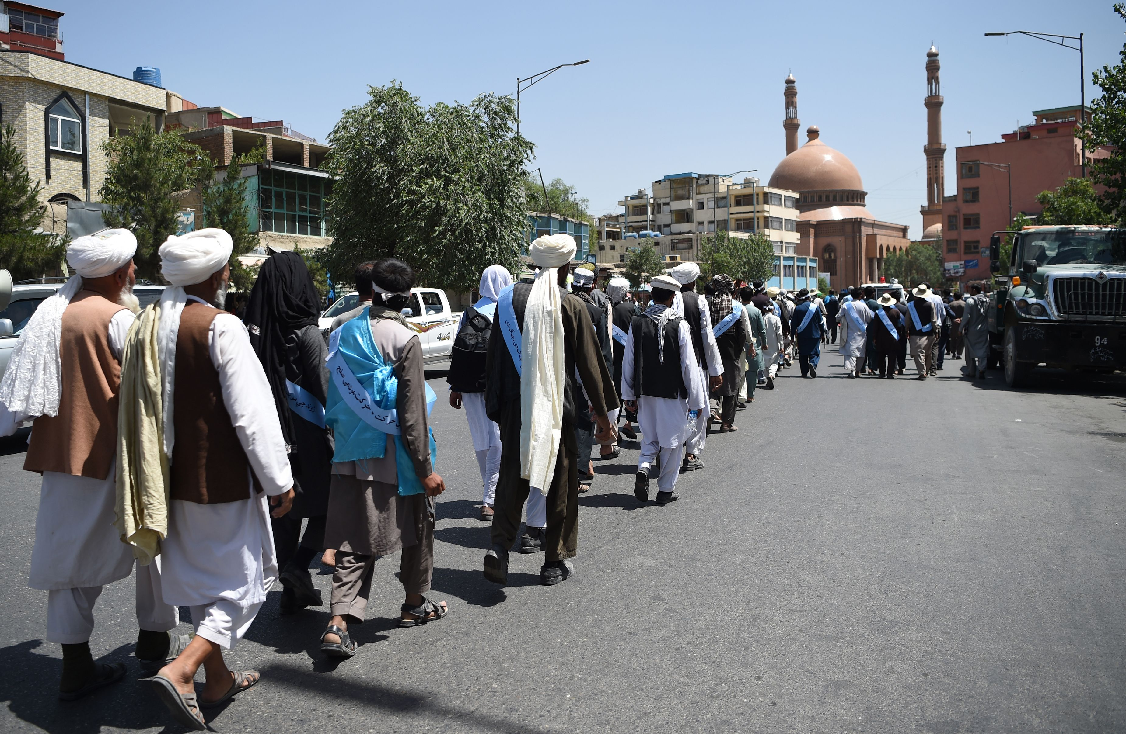 المسيرة تأتى لدعم اقتراح مد وقف إطلاق النار الذى قدمته حكومة الرئيس الأفغانى أشرف غنى