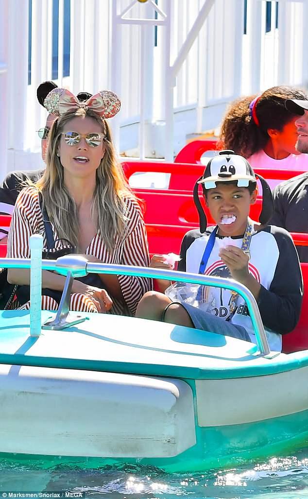 هيدي كلوم في DisneylanD) (3)