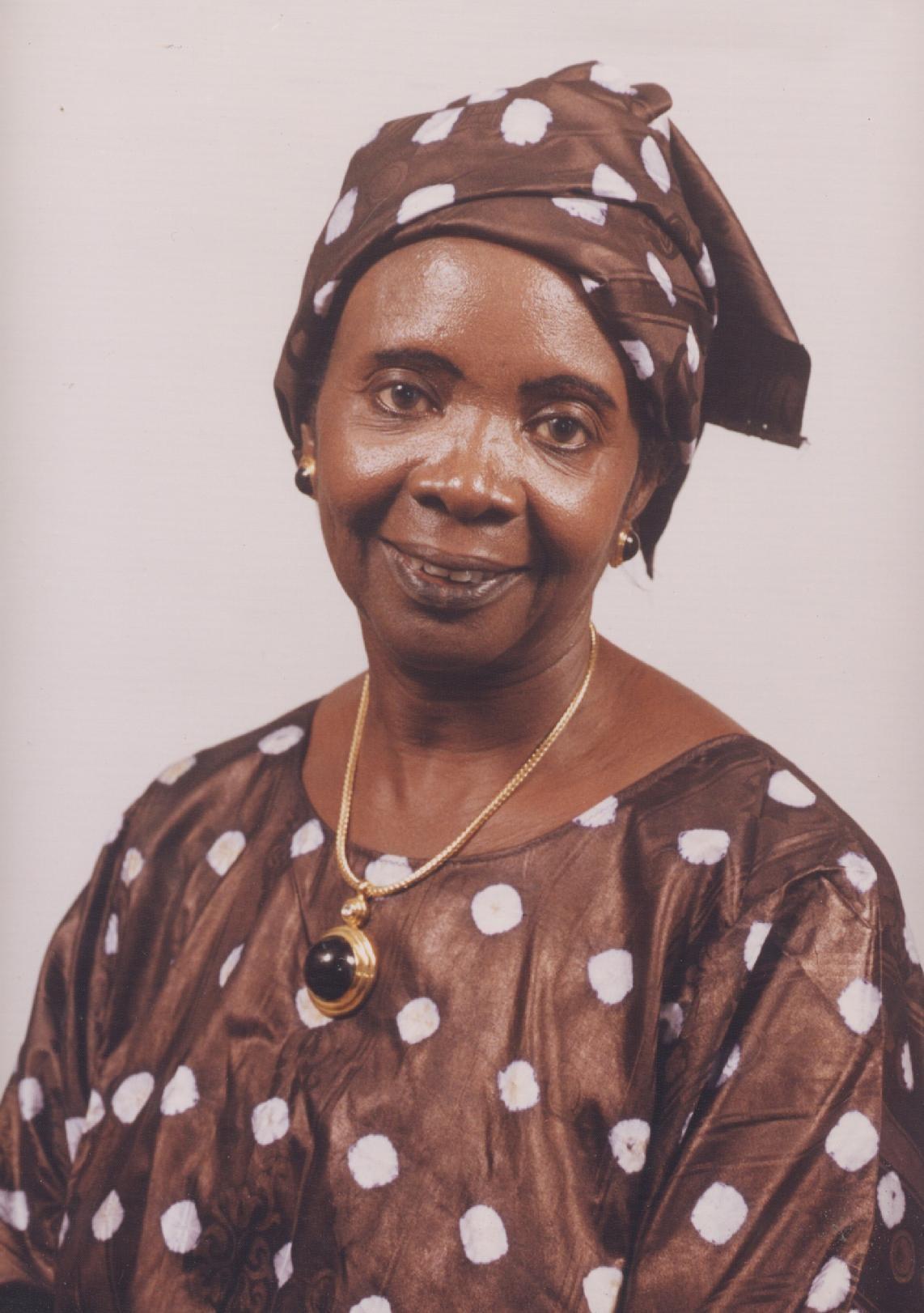 الكاتبة السنغالية أميناتا ساو فال