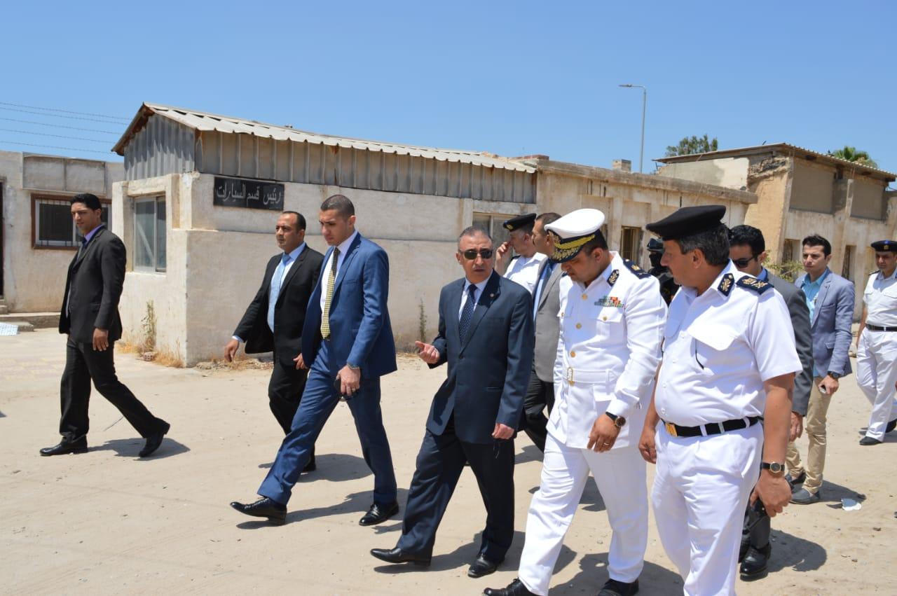 جولة مدير أمن الإسكندرية على وحدة مرور محرم بك (2)