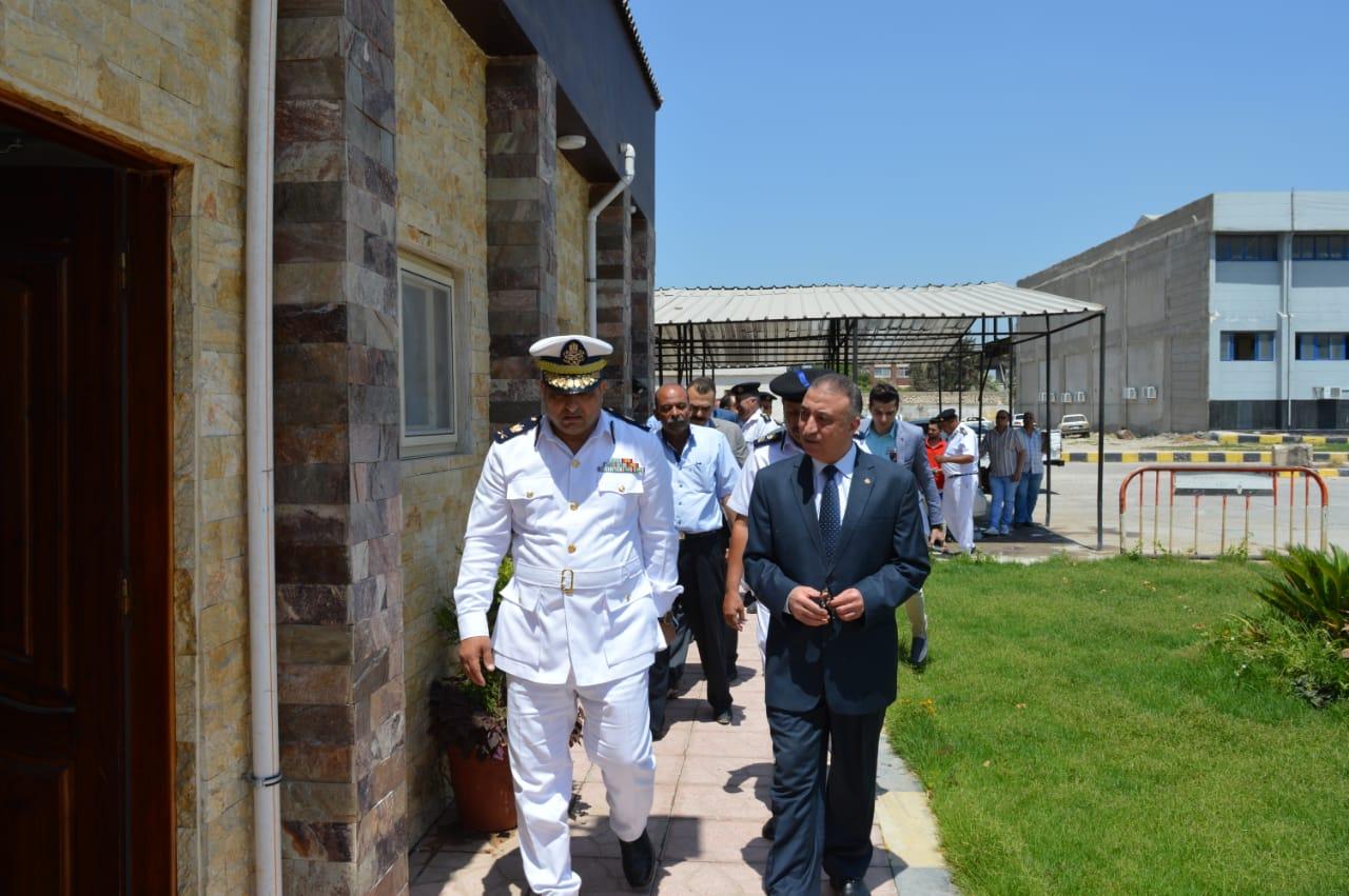 جولة مدير أمن الإسكندرية على وحدة مرور محرم بك (3)