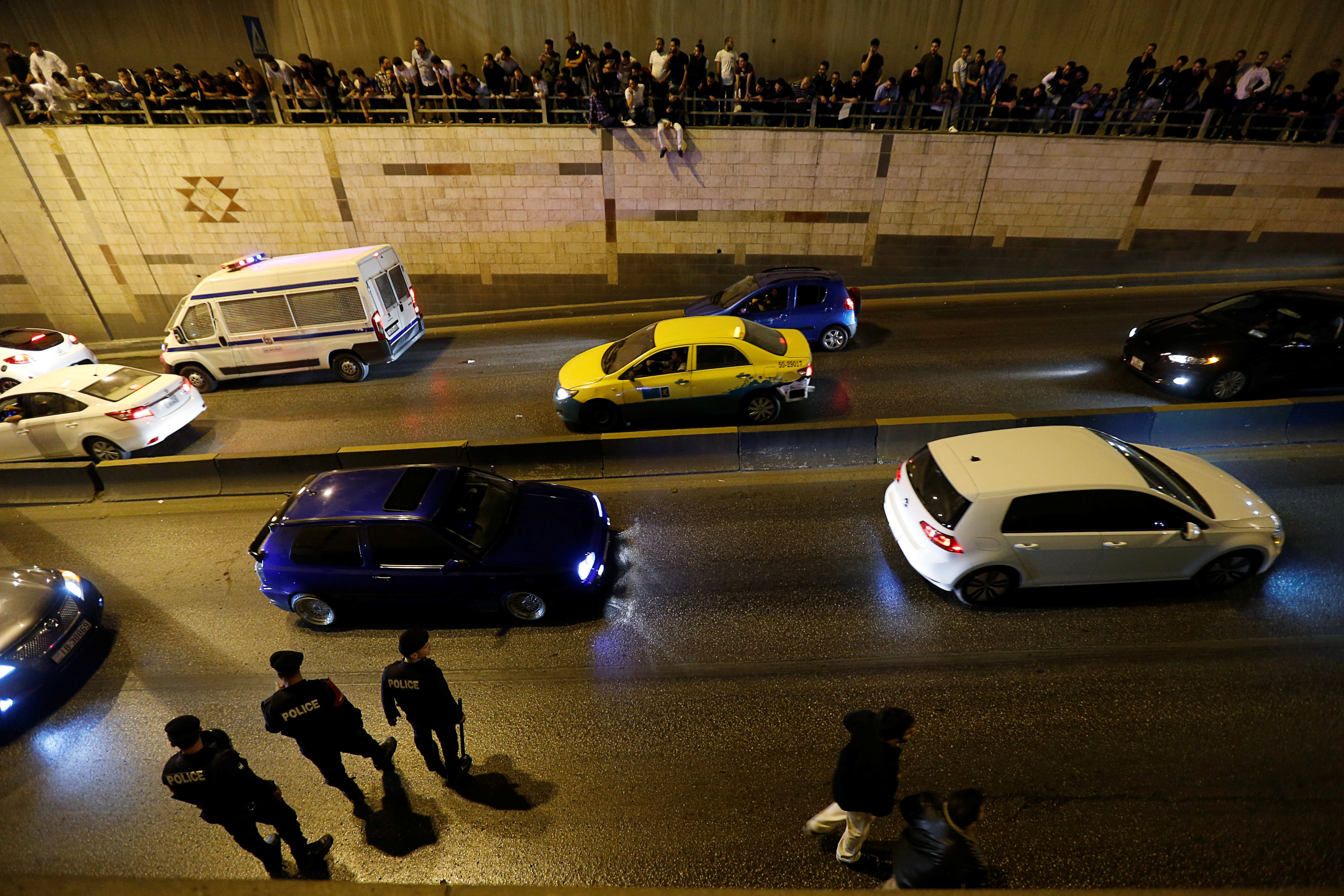 انتشار الشرطة في الشوارع
