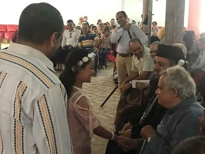كنيسة رئيس الملائكة ميخائيل بالأقصر تنظم مهرجان الأطفال يصنعون السلام (3)