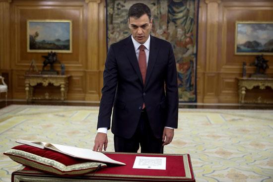 رئيس وزراء إسبانيا الجديد يستعد لأداء اليمين الدستورية