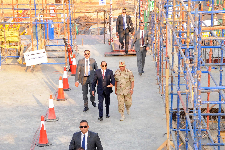 صور زيارة السيد الرئيس للعاصمة الإدارية الجديدة11-10-2017 (16)