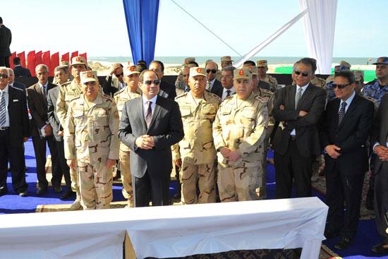 الرئيس يتفقد المشروعات التنموية الجاري تنفيذها بمنطقة شرق بورسعيد