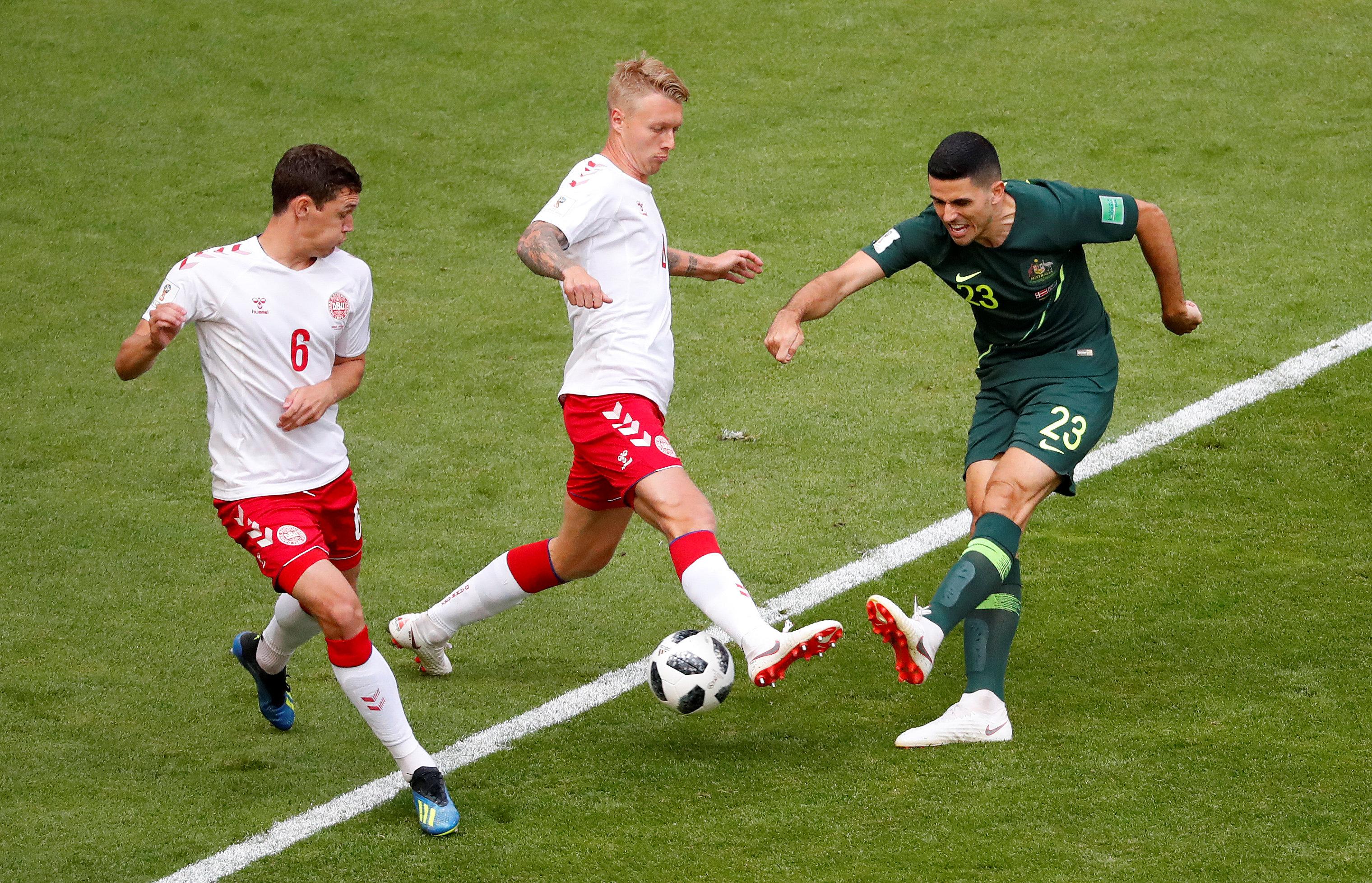 مباراة استراليا والدنمارك (9)