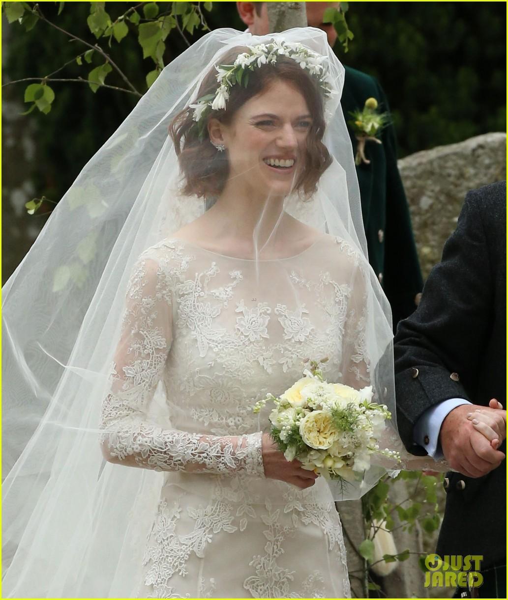 روز بفستان الزفاف