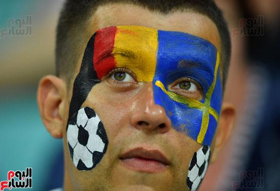 مشجع ألمانى وسط المدرجات