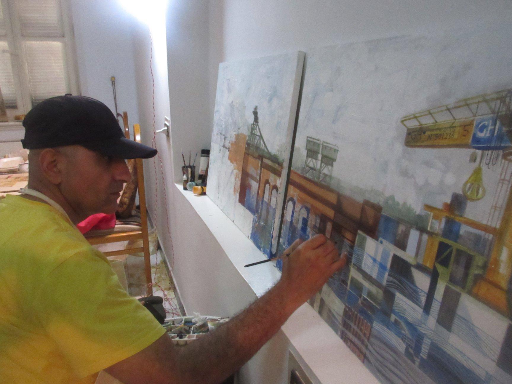 فنانين تشكليين يرسمون قناطر اسيوط  (1)