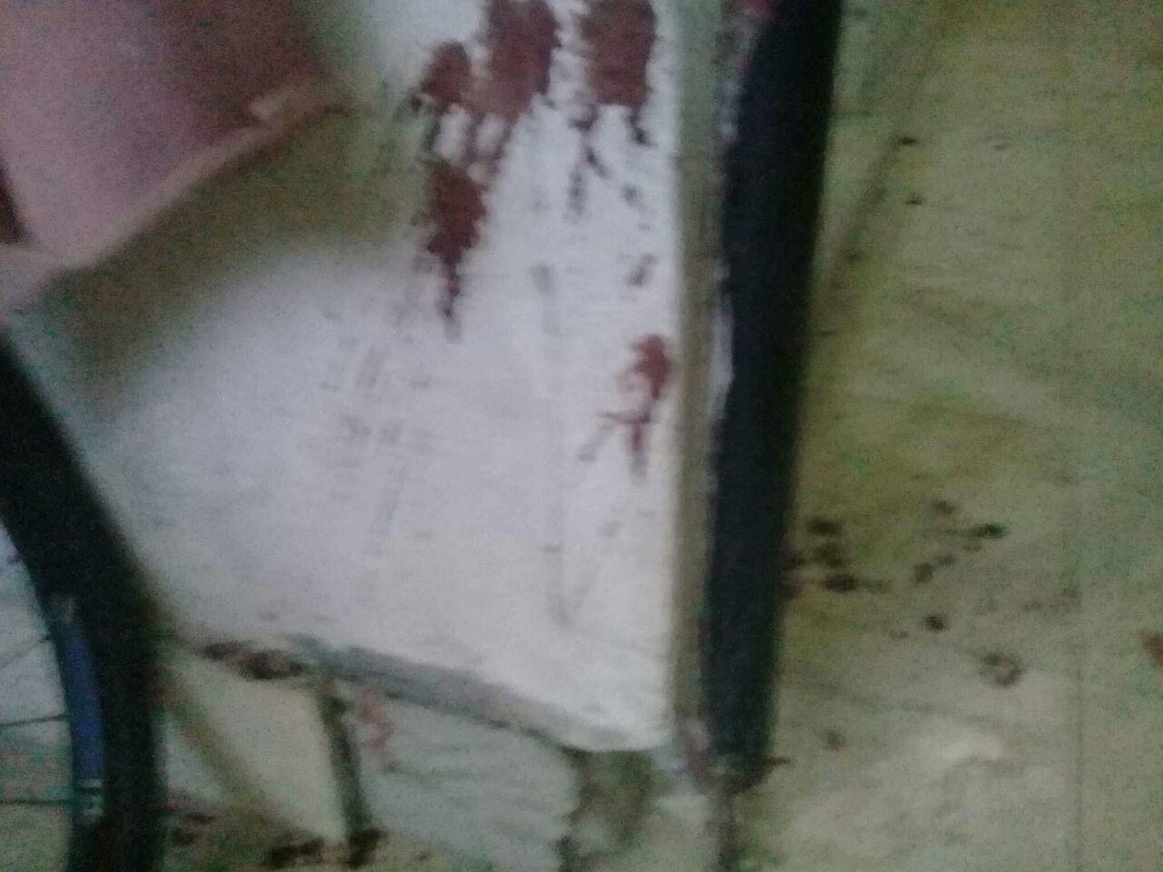 اثار الدماء شاهد على الحادث
