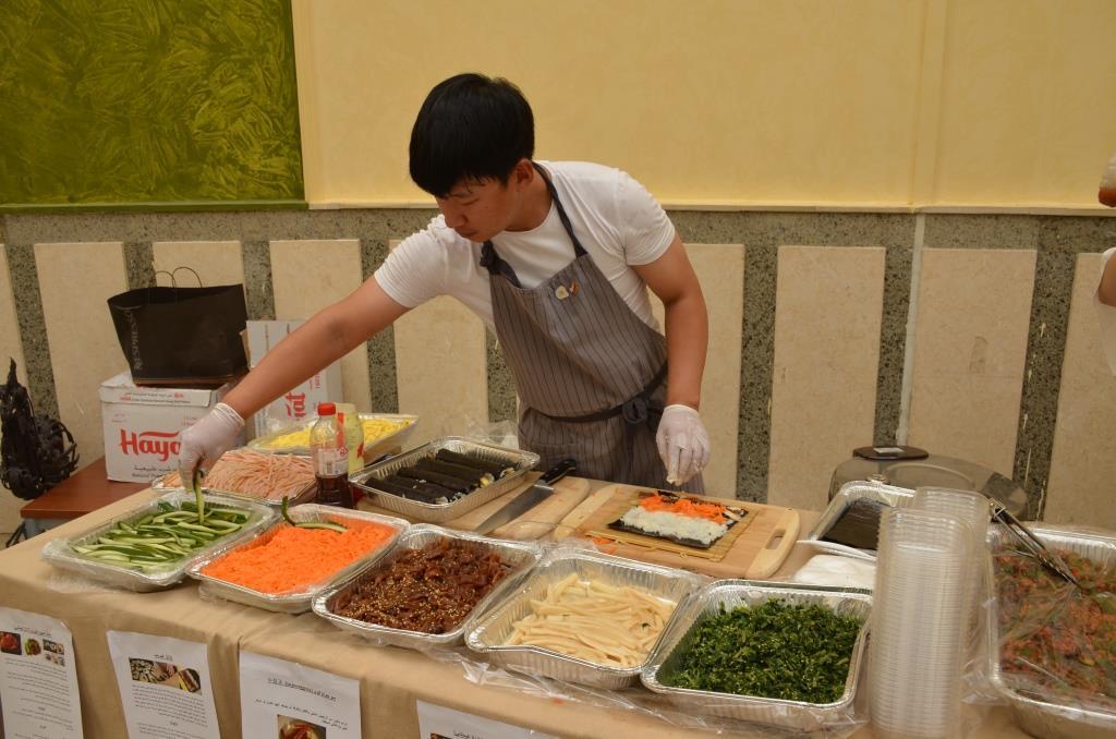جانب من الأكلات الكورية