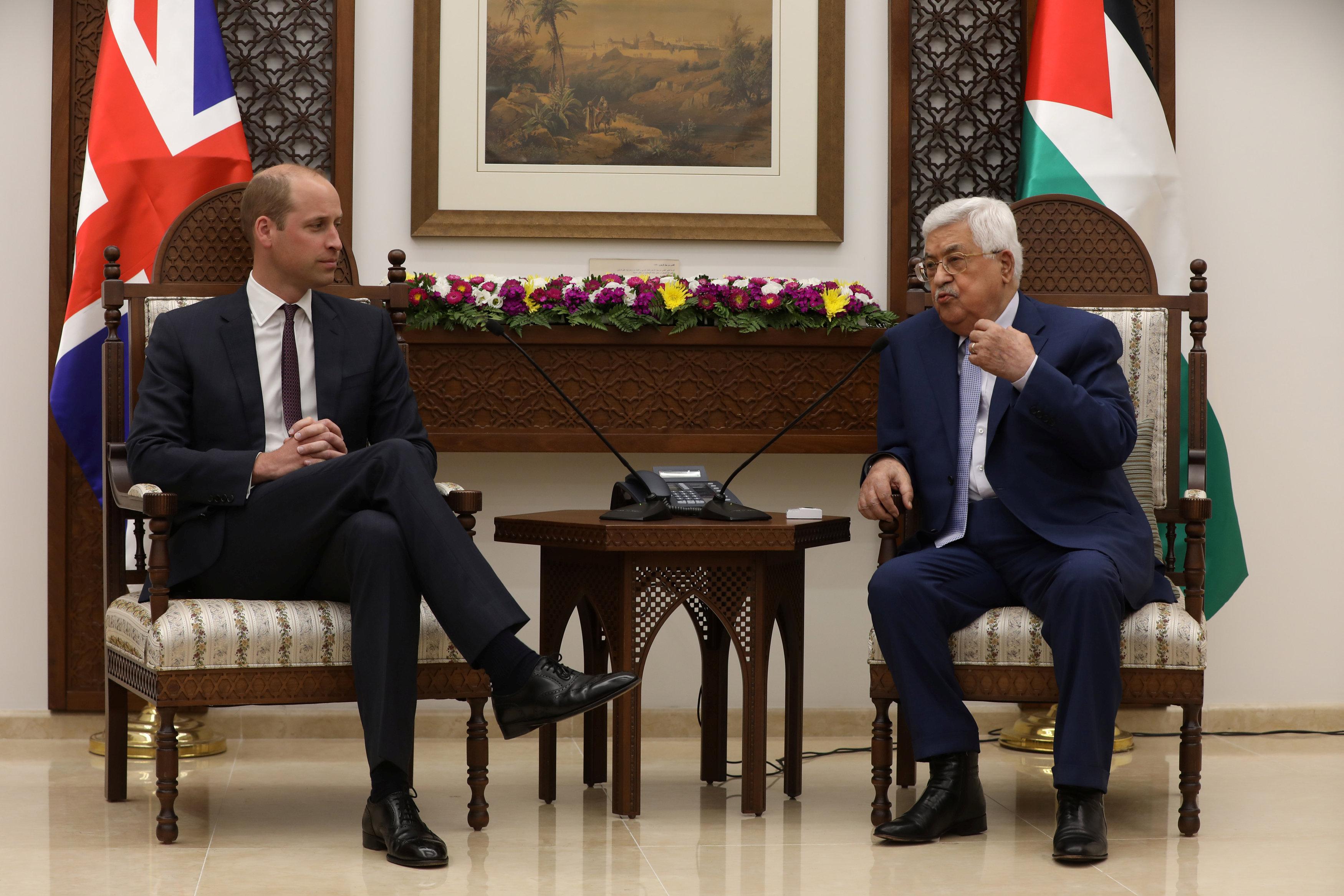 خلال الحوار بين الرئيس الفلسطينى والأمير وليام
