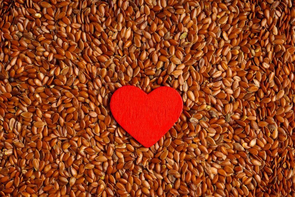 من فوائد بذور الكتان الحفاظ على صحة القلب