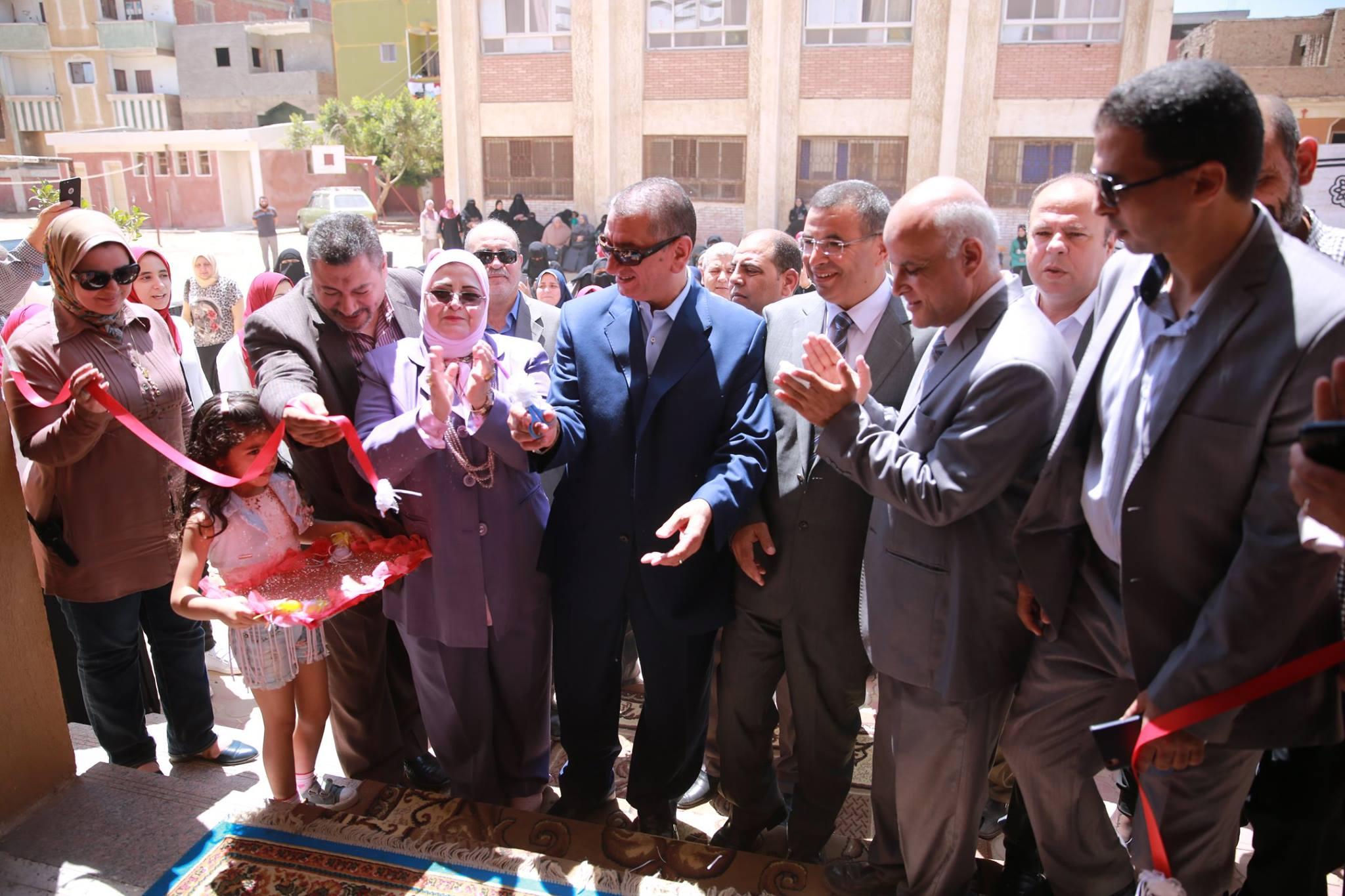 جانب من افتتاح المحافظ لمدرسة سيدى جمال