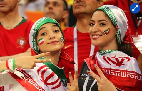 المشجعات الإيرانيات