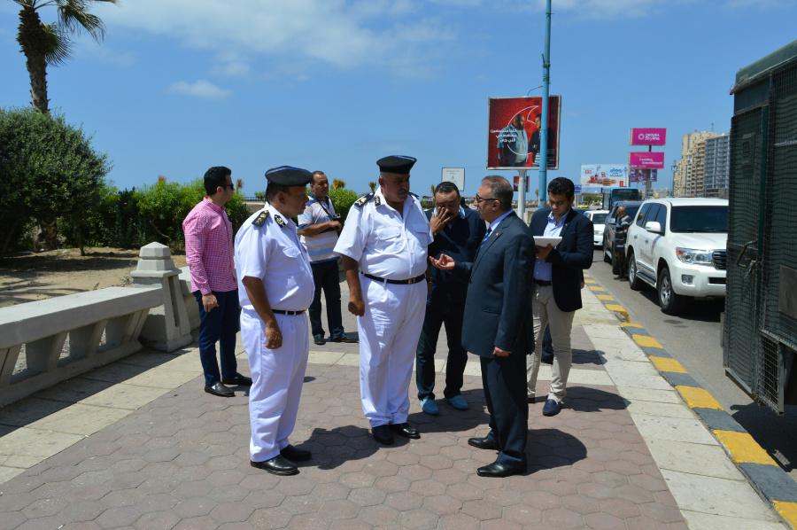 مدير أمن الإسكندرية فى جولة ميدانية على الاقوال والخدمات الأمنية (1)