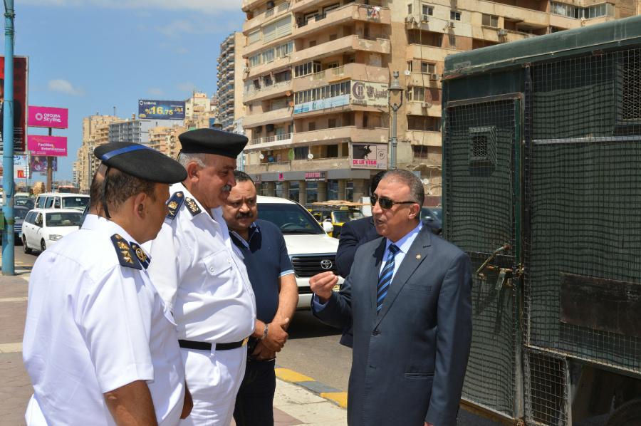 مدير أمن الإسكندرية فى جولة ميدانية على الاقوال والخدمات الأمنية (3)