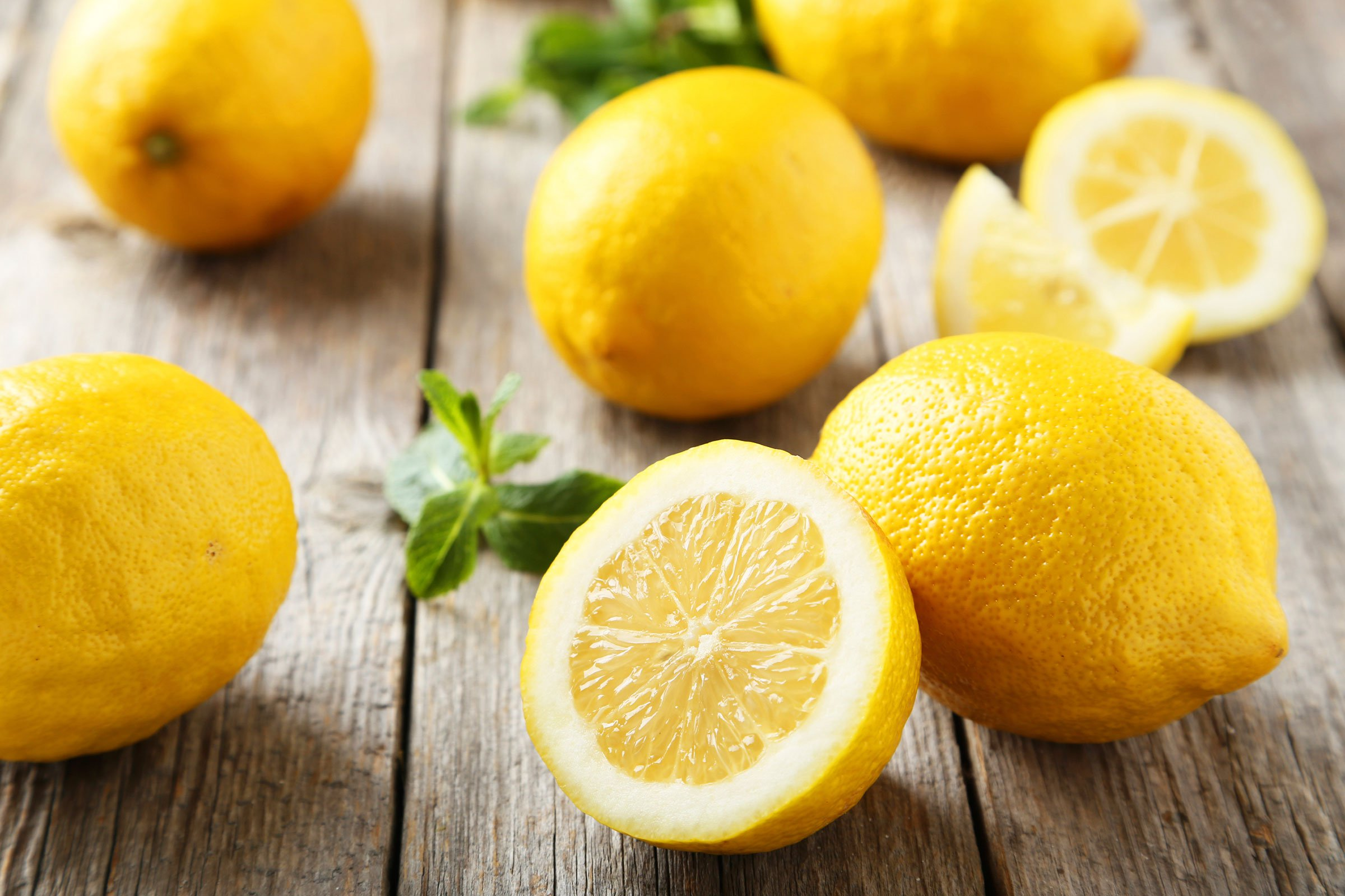 الليمون والطب البديل لعلاج قشرة الشعر