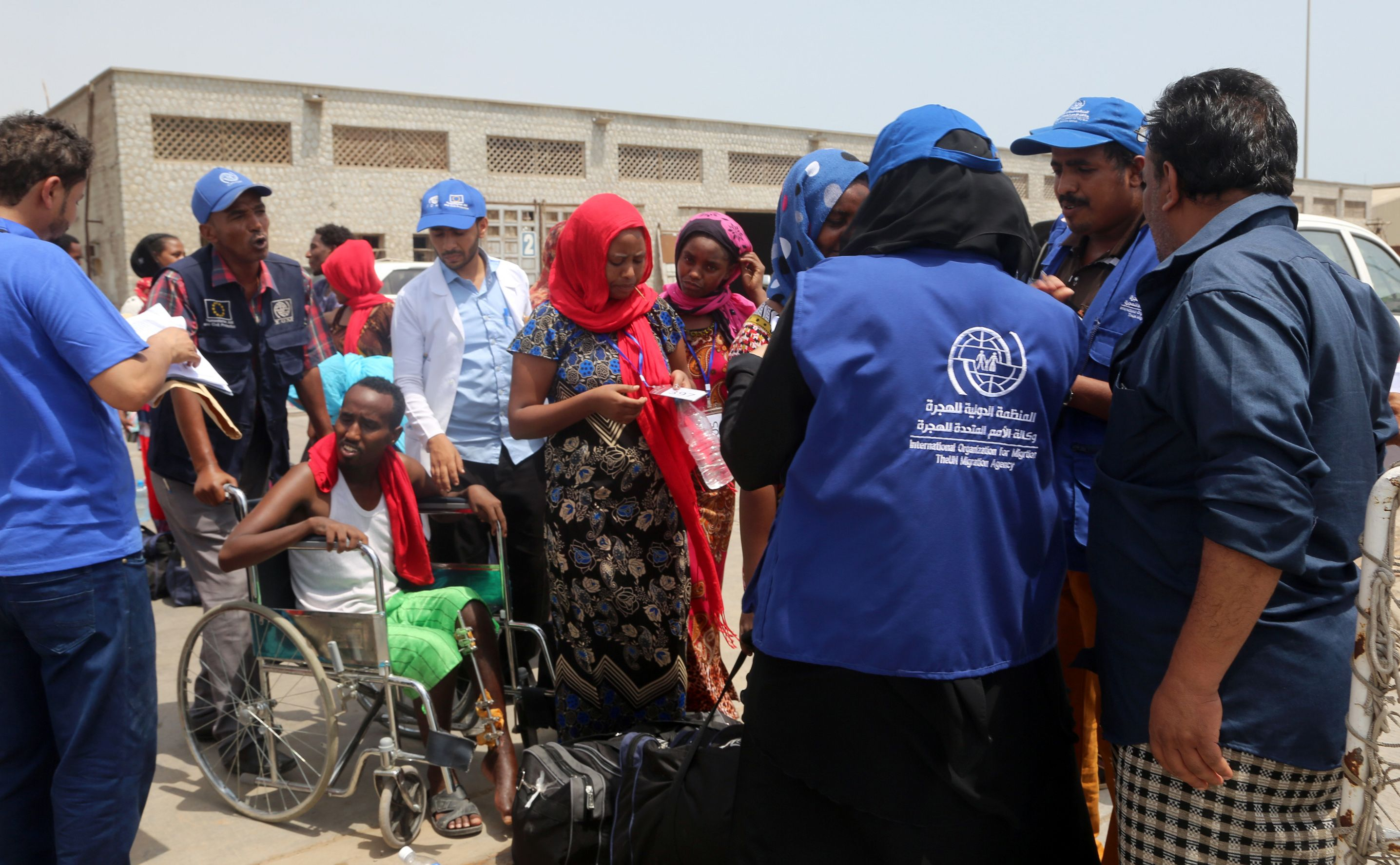 إجلاء مهاجرين أثيوبيين من ميناء الحديدة اليمنى